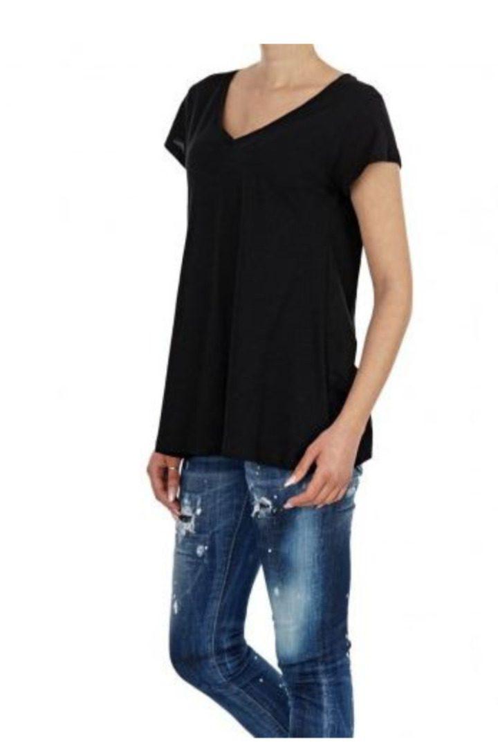 Moutaki T-shirt βαμβακερό,κοντομάνικομε V λαιμόκοψη ,μαύρο χρώμα
